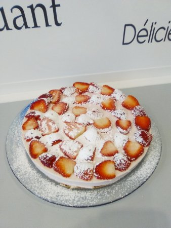 Redon, France: Cheesecake aux fraises