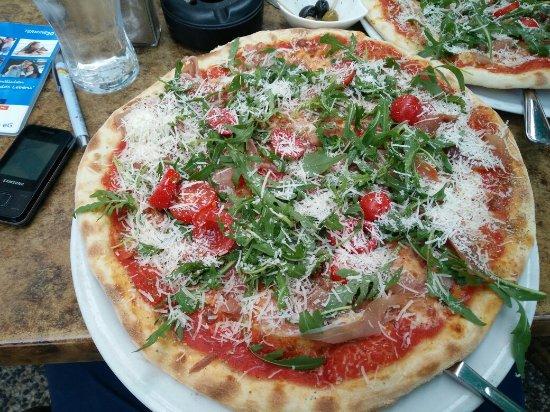 Kleines Landhaus Rudow pizza toscana assolutamente da provare gnammm picture of