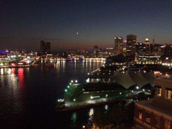 Four Seasons Baltimore: Baltimore Inner Harbor at night