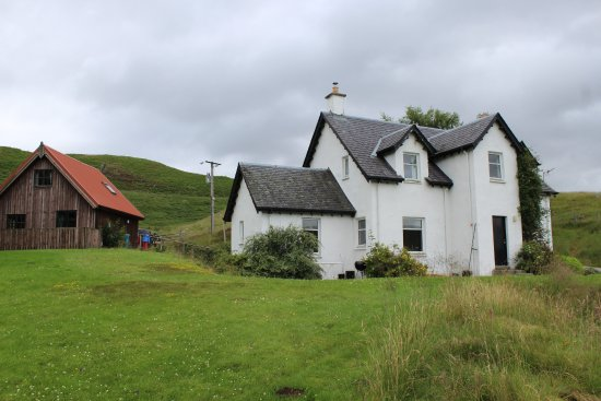 Newtonmore, UK: Bal nan cnoc and the (associated) Potters cottage