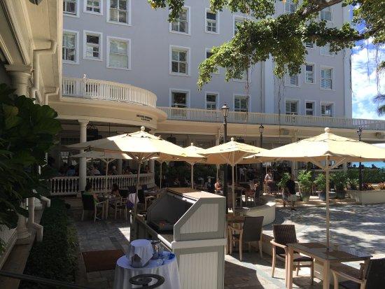Moana Surfrider, A Westin Resort & Spa: photo4.jpg