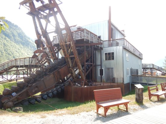 how to make a gold dredge