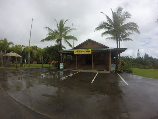 Hakalau, HI: Rainy day view of the visitor's center.