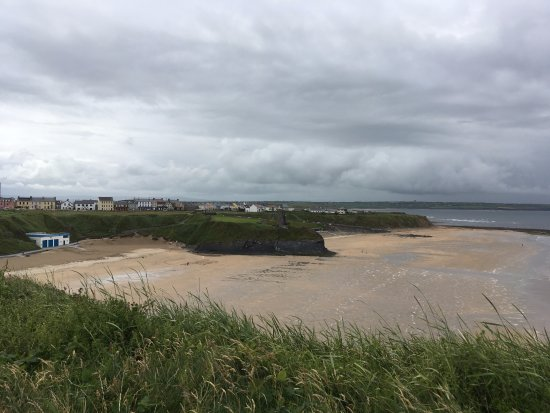 Ballybunion, Irlanda: Pure and natural Ladies Beach, Men's Beach is around the bend.