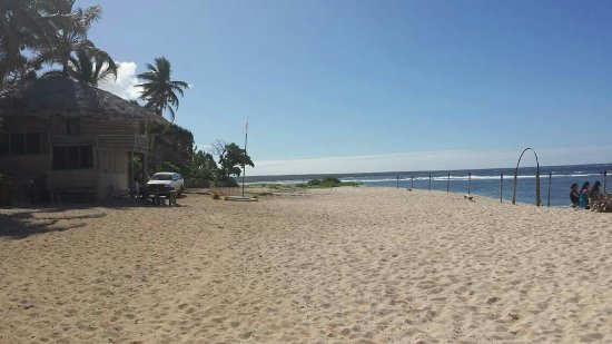 Tongatapu Island, Tonga: The entrance to 'Oholei Beach and the most beautiful sands