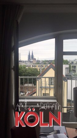 Astor & Aparthotel Cologne : Facing east, 4th floor.