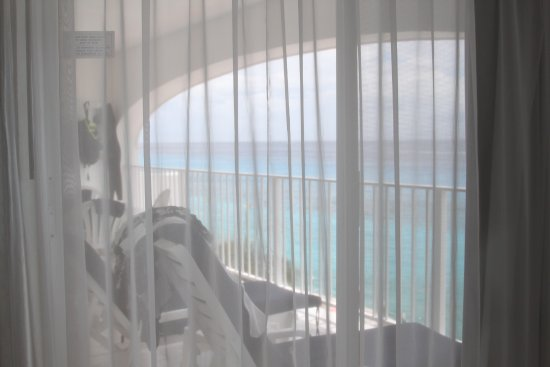 Coral Princess Golf & Dive Resort: View from master suite to balcony