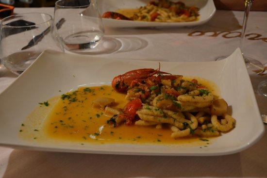 Sellano, Ιταλία: Passatelli con gamberi e porcini (1/2 porzione a piatto)