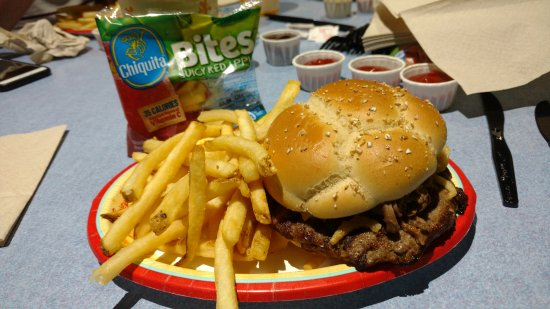 Electric Umbrella : French dip burger meal