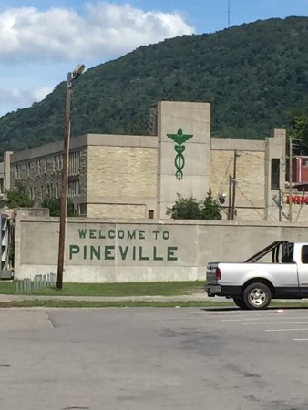 Pineville, KY: photo0.jpg