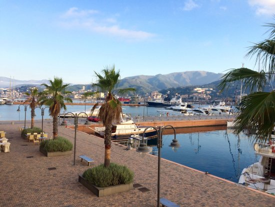 MarinaPlace Hotel, Hotels in Genua