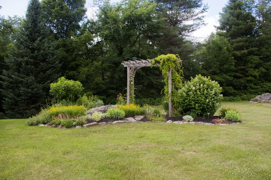 Wevertown, NY: Garden
