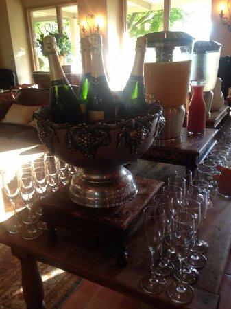 Vintage Inn: Champagne breakfast