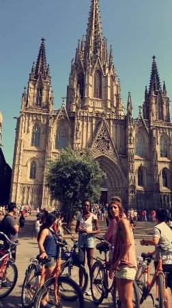 Fat Tire Bike Tours Barcelona: Barcelona cathedral