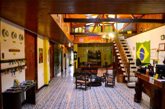 Coffee Town Hostel: SALA DE BIENVENIDA