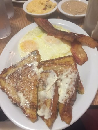 Young Harris, GA: Yummy Thick cinnamon French Toast