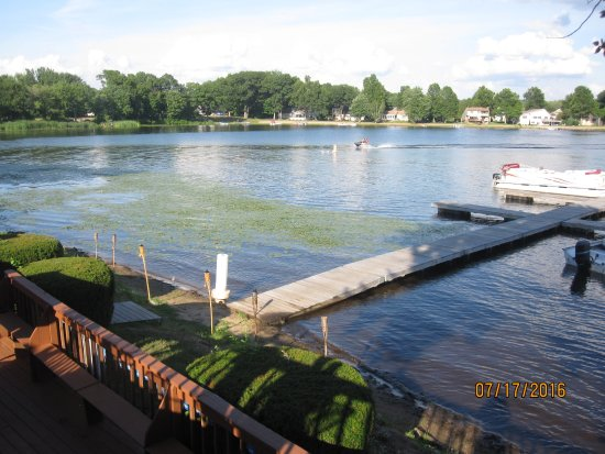 Southwick, แมสซาชูเซตส์: Lake view