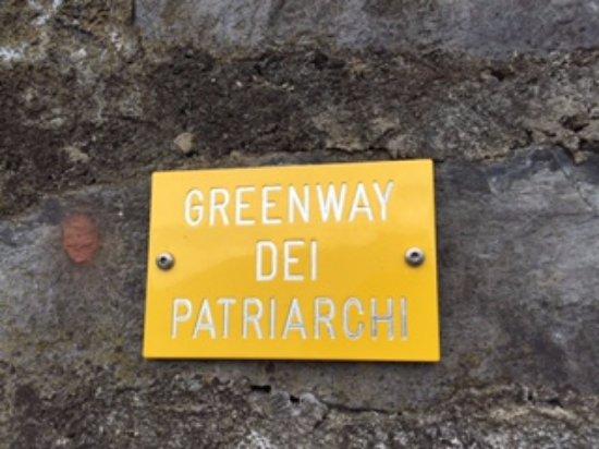 Varenna, Italy: marked trail
