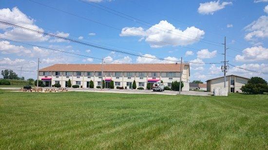 Wapakoneta, OH: Backside Building