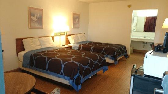 Wapakoneta, OH: Double Bed Room