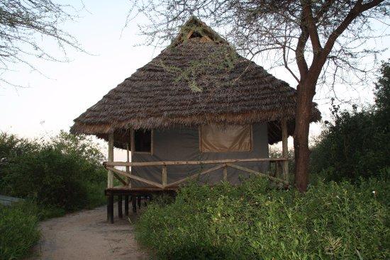 Lake Burunge Tented Camp: cabana em que ficamos com todo conforto