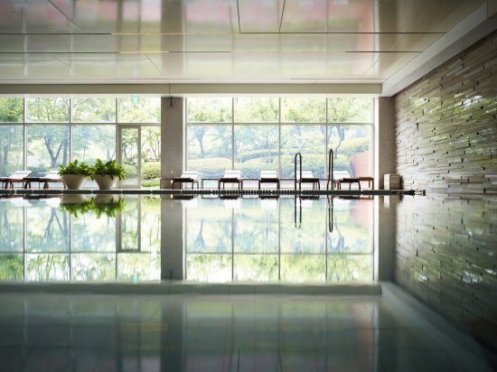 Rolling Hills Hotel: Indoor Pool