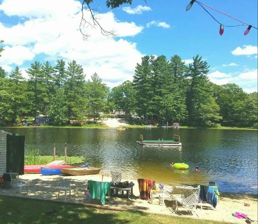 Henniker, NH: Tall Pines Cottages