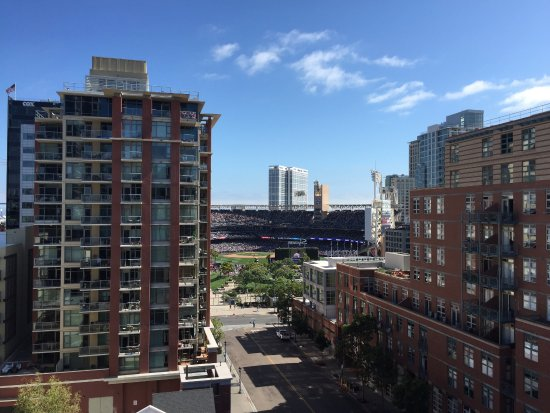 Hotel Indigo San Diego Gaslamp Quarter: View from our room daytime