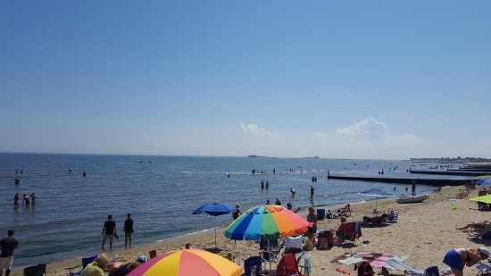 Westbrook, CT: The nearby beach