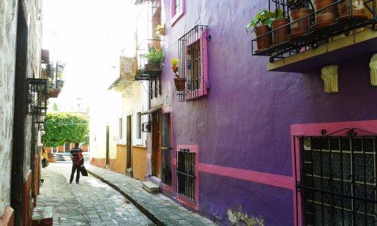 Casa De Pita: Calle