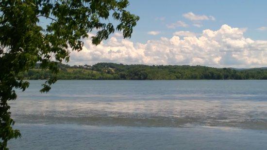 Ticonderoga, estado de Nueva York: King's Garden view of Lake Champlain