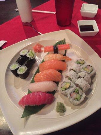 Longview, Техас: Regular sushi combo
