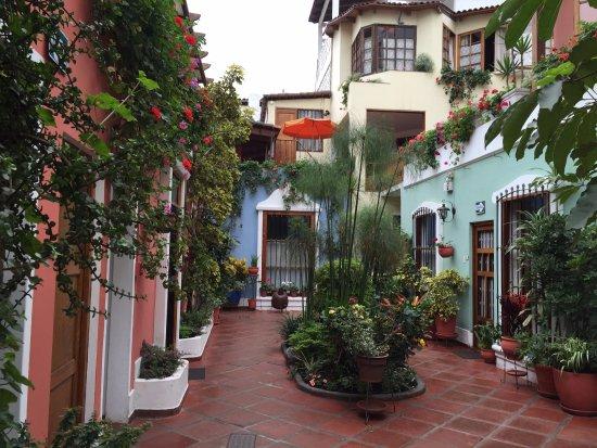 Hostal El Patio: The central courtyard