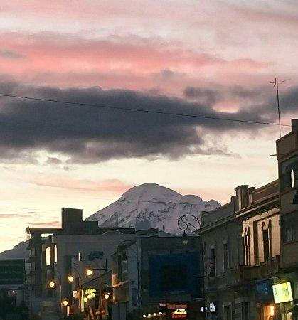 Mansion Santa Isabella: Chimborazo al atardecer