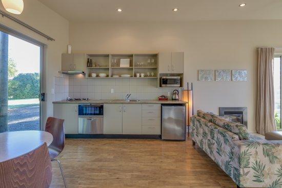 Te Awanga, نيوزيلندا: Kitchen Diner