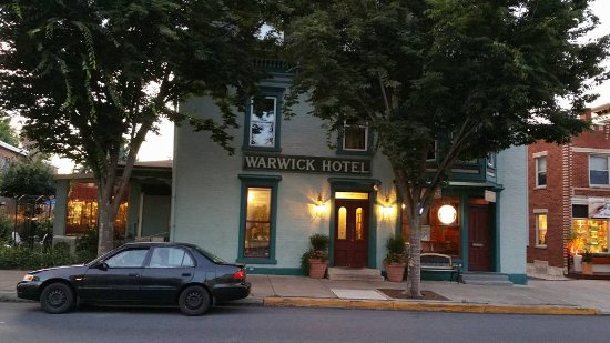 The Warwick Hotel & Restaurant: The hotel and restaurant