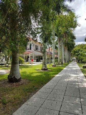 Edison Park: Wunderschönes Anwesen