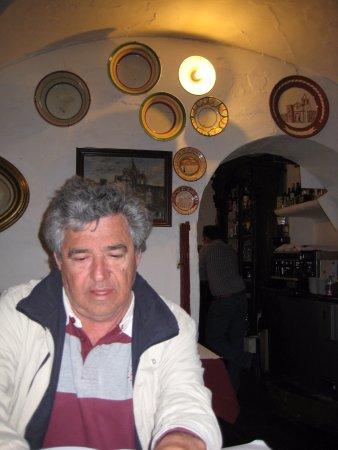 Mourao, Portugal: decoração com pratos