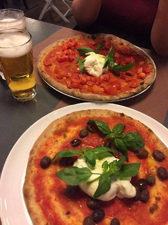 Pizze con burrata - Picture of Pizzeria La Terrazza, Montebelluna ...