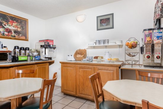 Grants Pass, OR: Your stay comes with free continental breakfast