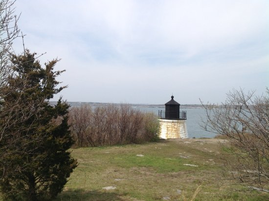 Castle Hill Lighthouse : As the path widens...