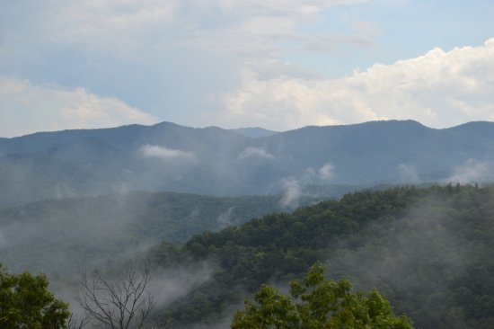 เบรวาร์ด, นอร์ทแคโรไลนา: The mountains around Brevard, NC