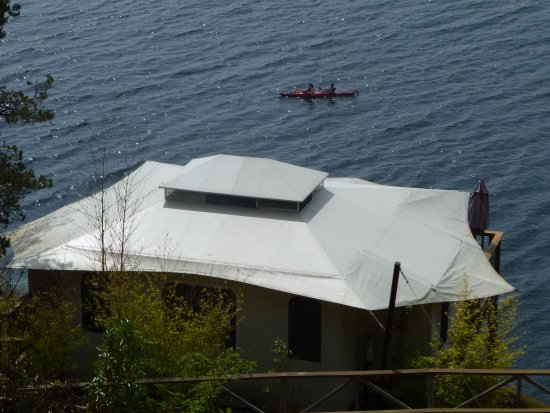 Halfmoon Bay, كندا: View of the tenthouse below our