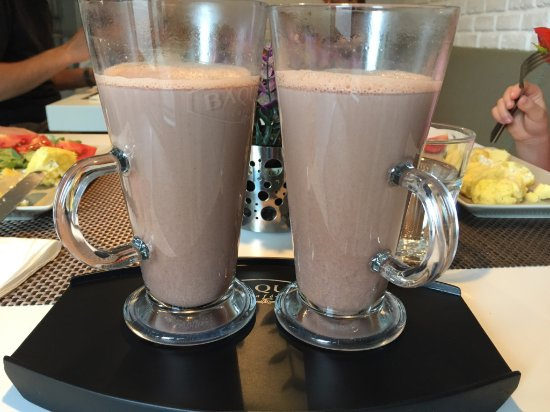 UpperHouse: Delicious Hot Chocolate!