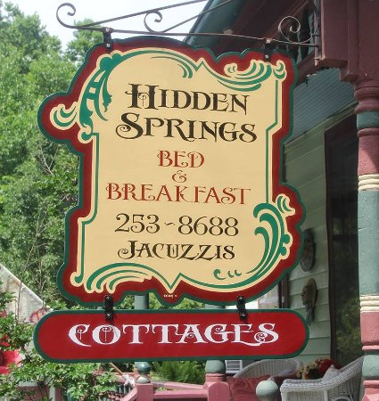 Hidden Springs Bed and Breakfast: HS Sign