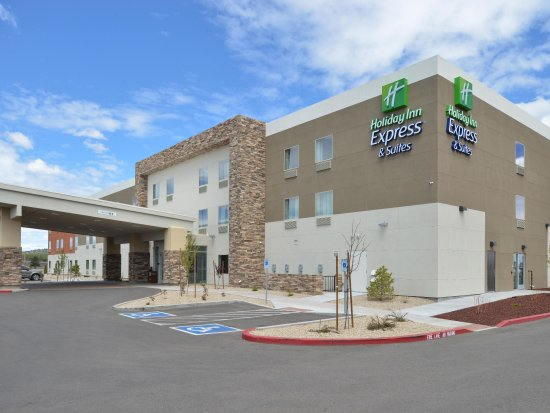 Holiday Inn Express & Suites Williams