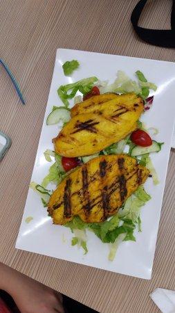 Peri Peri Halal Grill: chicken fillet