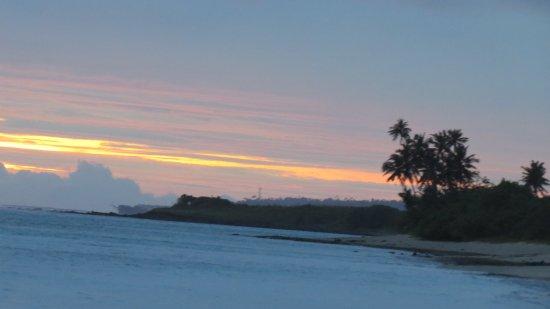 Taufua Beach Fales: Tafua Beach Sunset To South