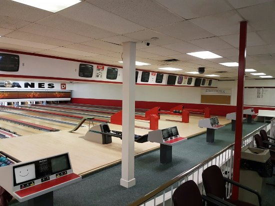 Falcon Lanes 5 Pin Bowling Center