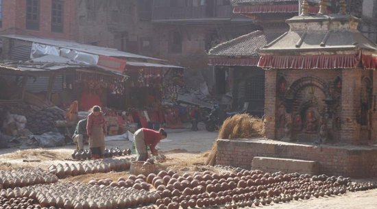 Bhaktapur, Nepal: Local artists and their pottery